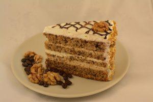 orechovy ctvrtka dort s kavovym kremem